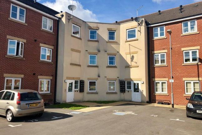 Thumbnail Flat to rent in Pintail Close, Scunthorpe
