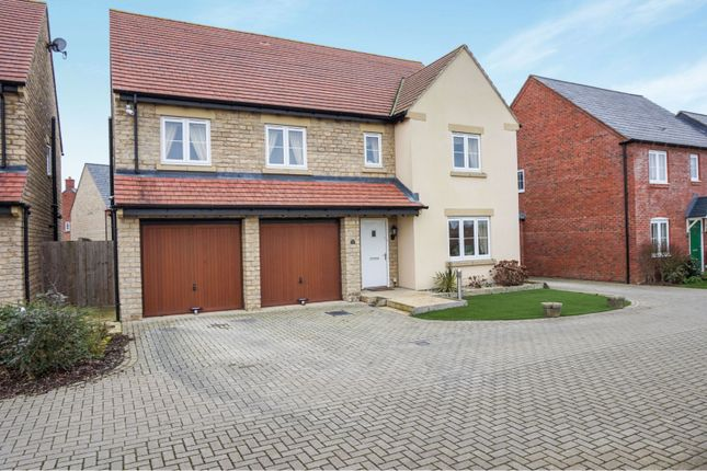 Thumbnail Detached house for sale in Kempton Close, Bicester