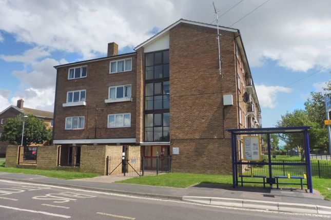 Thumbnail Flat to rent in Locksway Road, Southsea
