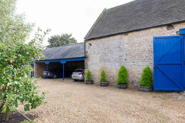 Barn And Garaging
