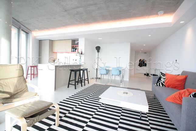 Thumbnail Shared accommodation to rent in Royal Victoria, Royal Docks