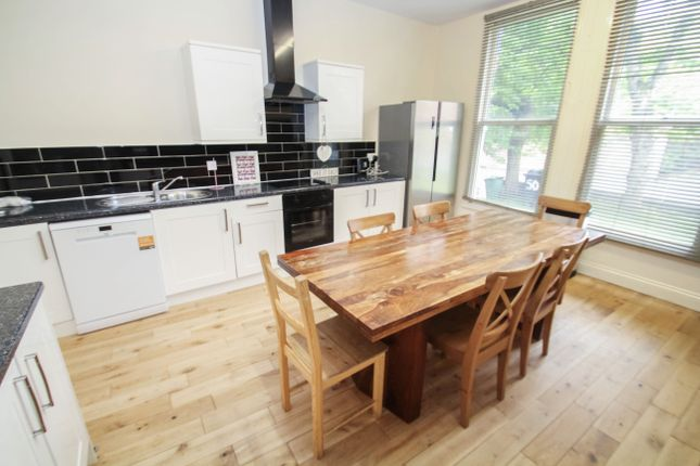 Thumbnail End terrace house to rent in All Bills Included, Hyde Terrace, Leeds