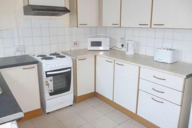 Thumbnail Terraced house to rent in Rhondda Street, Mount Pleasant, Swansea