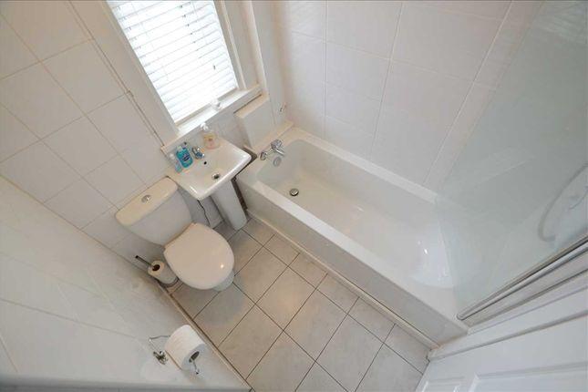 Bathroom of Back-O-Barns, Hamilton ML3