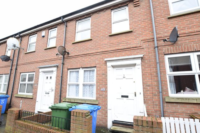 2 bed terraced house to rent in Sussex Street, Scarborough YO11