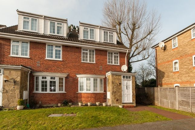 Thumbnail Maisonette for sale in Redheath Close, Watford, Hertfordshire