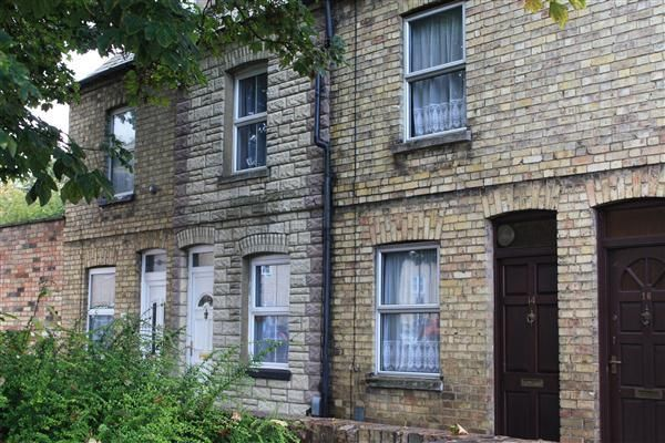 Thumbnail Terraced house to rent in Ouse Walk, Huntingdon