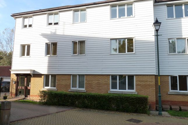 Thumbnail Flat for sale in Paddock Close, Edenbridge