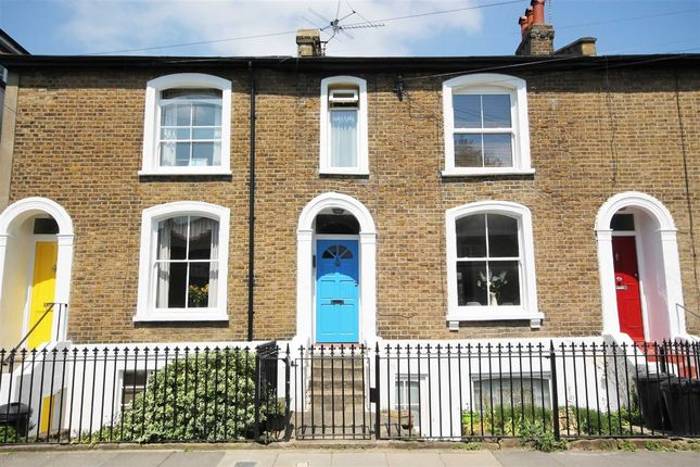 1 bed flat to rent in St. Peters Road, London