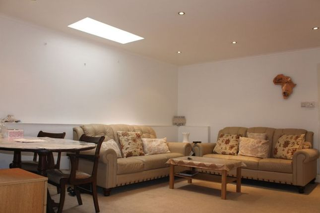 Thumbnail Flat for sale in Dudley Road, Southall