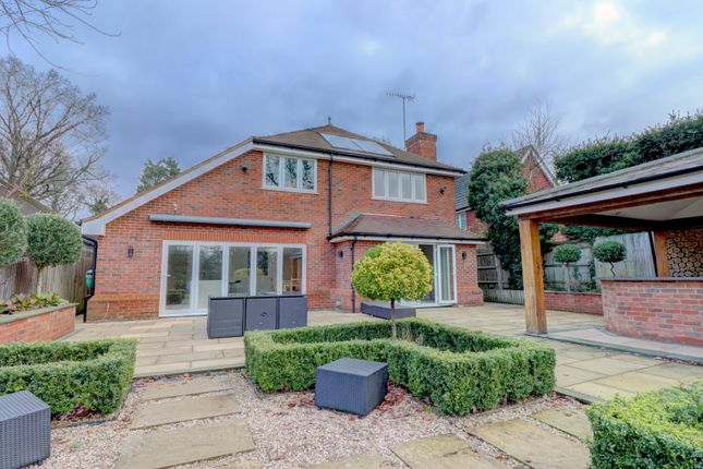Thumbnail Detached house for sale in Guildford Road, Cranleigh