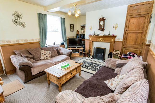 Thumbnail Semi-detached house for sale in Market Place, Folkingham, Folkingham