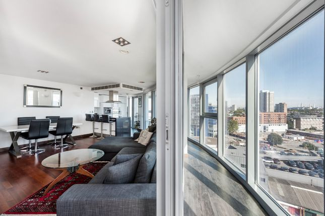 Thumbnail Flat for sale in Altura Tower, Battersea, London
