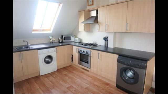 Thumbnail Flat to rent in Ewart Court, Glossop
