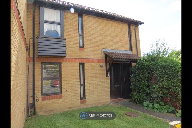 Thumbnail Maisonette to rent in Shinners Close, London