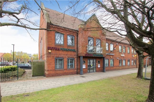 Thumbnail Office to let in Marina Court, Castle Street, Hull