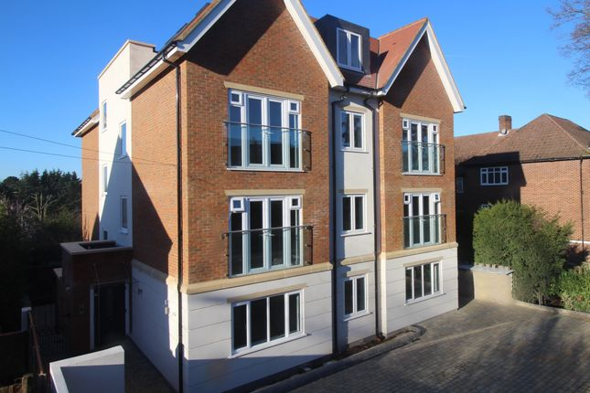 Thumbnail Flat for sale in Green Lane, Northwood