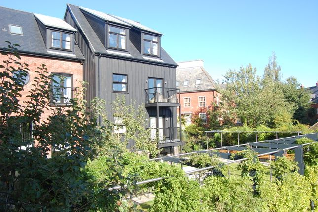 Thumbnail Flat for sale in Old Maltings Approach, Melton, Woodbridge