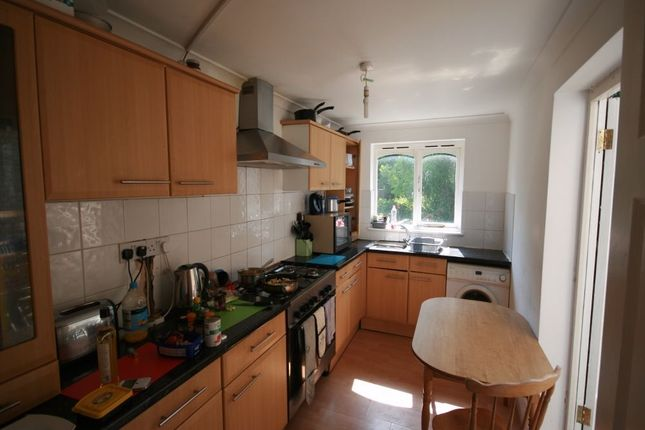 Thumbnail Terraced house to rent in Glengall Road, London