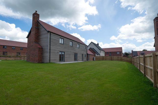 Thumbnail Detached house for sale in Salford Close, Clifton-On-Teme, Worcester