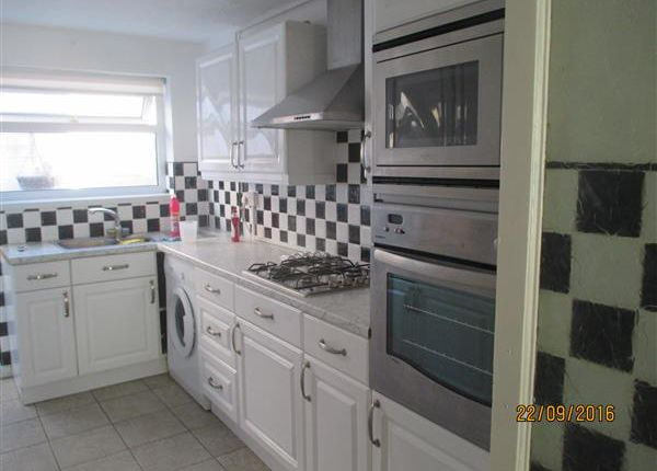 2 bed terraced house to rent in East Street, Trallwyn, Pontypridd