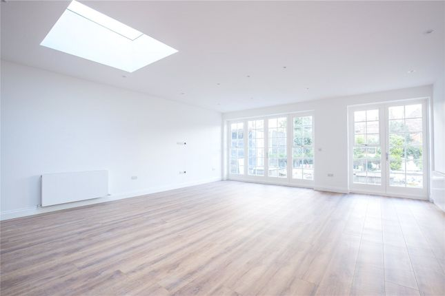 Thumbnail Flat to rent in Raglan House, Queens Avenue, London