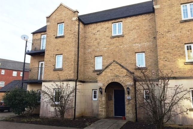 Thumbnail Flat to rent in Avocet Close, Rugby