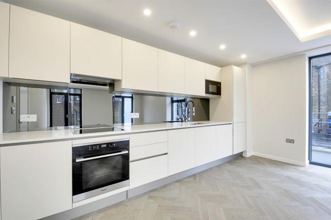 Thumbnail Flat for sale in Porteus Apartments, Britannia Road, Fulham, London