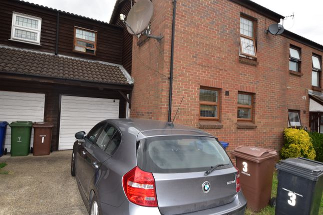 Thumbnail Terraced house to rent in Water Lane, Purfleet