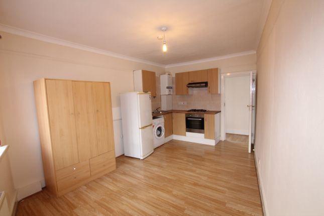 Thumbnail Flat to rent in Hermitage Road, Seven Sisters, London
