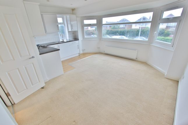 Thumbnail Flat to rent in Goring Road, Worthing