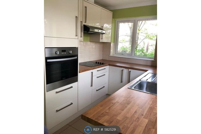 2 bed maisonette to rent in Harbex Close, Bexley DA5