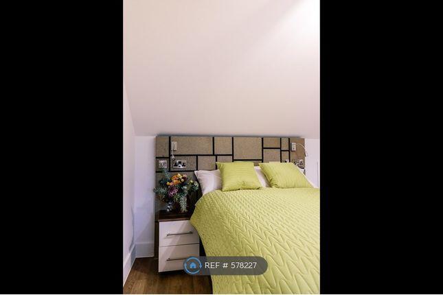 Bedroom 6 - Requiem