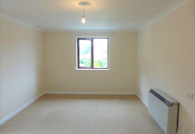 Thumbnail Studio to rent in Heydon Court, Deer Park Way, West Wickham, Kent