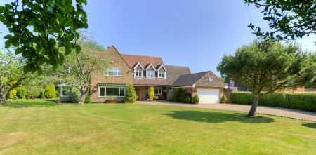 4 bed detached house for sale in Vineyards Road, Northaw, Potters Bar