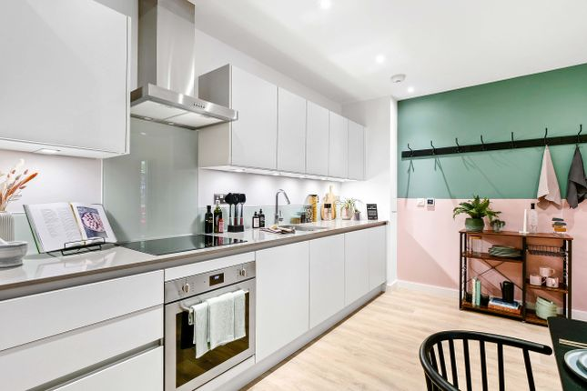 3 bed flat for sale in 4 Vanguard Way, London E17