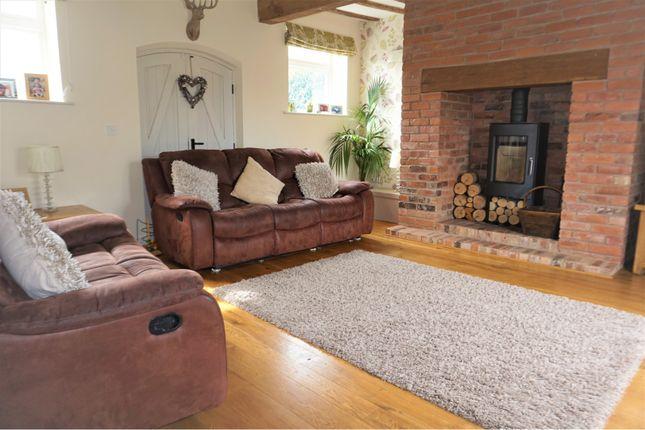 Lounge of Daleacre Court, Lockington DE74