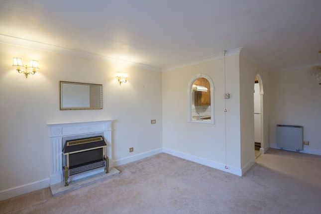 Thumbnail Flat to rent in Village Heights, Chingford Lane, Woodford Green