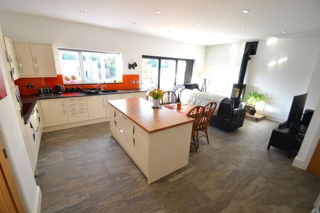 Kitchen of Wyvern Avenue, Long Eaton, Nottingham NG10