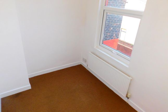 Small Bed  of St. Andrew Road, Anfield, Liverpool L4