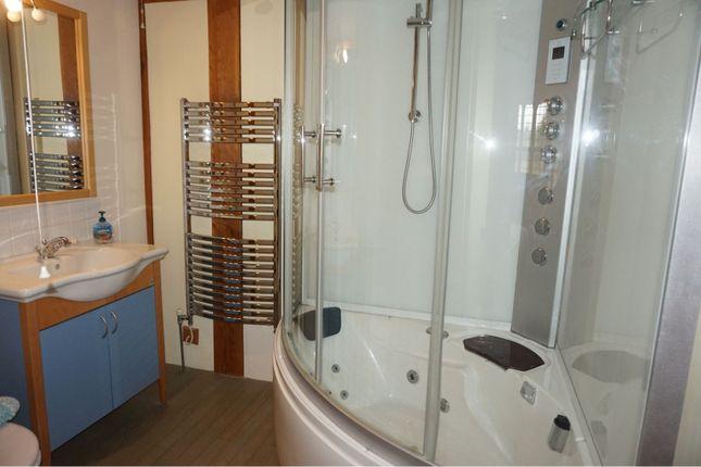 En-Suite Two of Sapcote Road, Hinckley LE10
