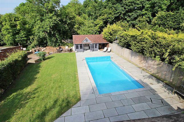 Swimming Pool High_Rav0071623_0 Grey