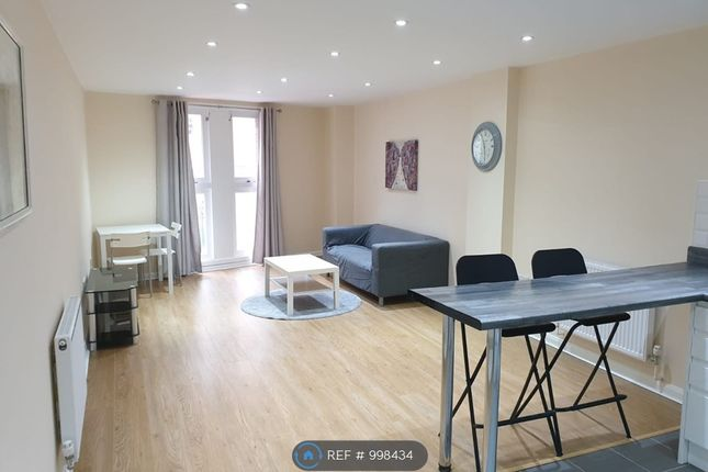 1 Large Bedroom Apartment