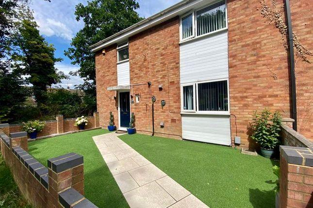 4 bed end terrace house for sale in Elm Park Close, Houghton Regis, Dunstable LU5