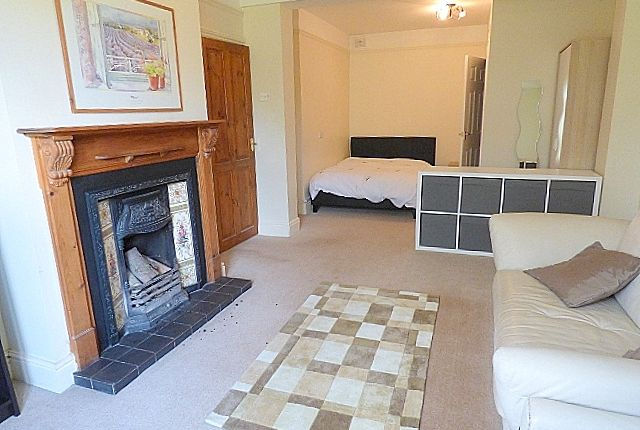 Thumbnail Shared accommodation to rent in Holywell Lane, Rubery