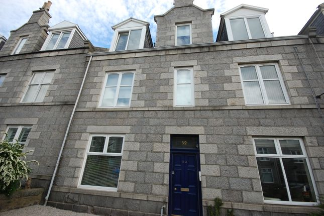Thumbnail Flat to rent in Balmoral Place, Top Floor Left, Aberdeen