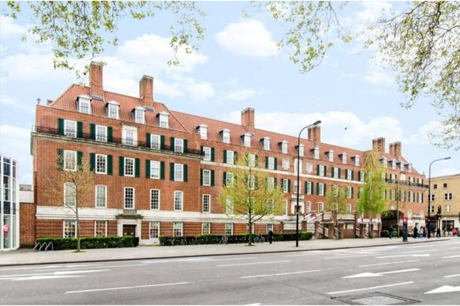 Thumbnail Flat for sale in Clapham Common South Side, Clapham