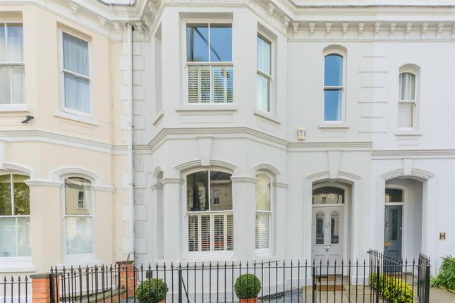 Thumbnail Town house for sale in Clarendon Avenue, Leamington Spa, Warwickshire