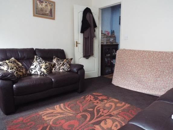 Living Room of Russell Street, Peterborough, Cambs PE1
