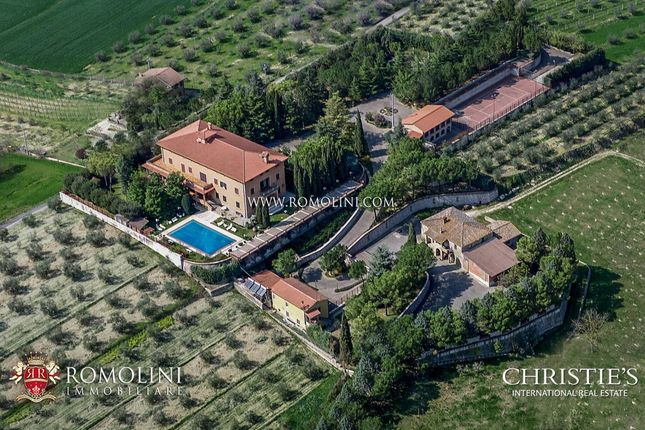 Thumbnail Villa for sale in Corciano, Umbria, Italy